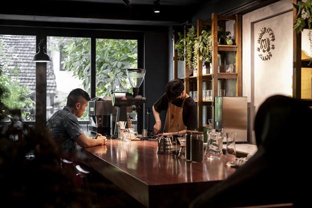 không gian trải nghiệm và thưởng thức cà phê